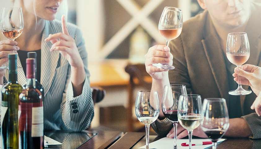 Kazimierz Bar Menawarkan Cita Rasa Anggur Luar Biasa 2